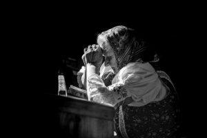 1. miesto - Black & white_Karina Kaľatová - Nedeľa