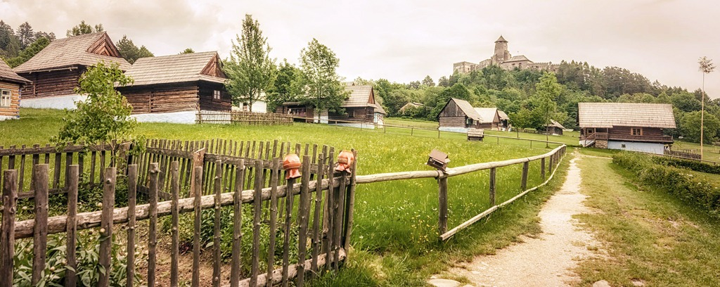 Skanzen, Ľubovnianske múzeum – hrad