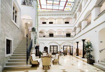 Historických hotelov