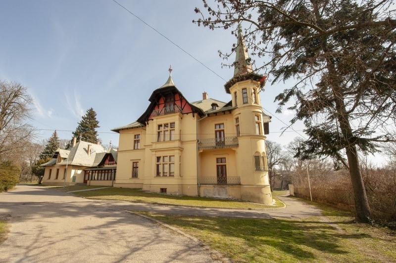 Výzdoba vily v bratislavskom Horskom parku