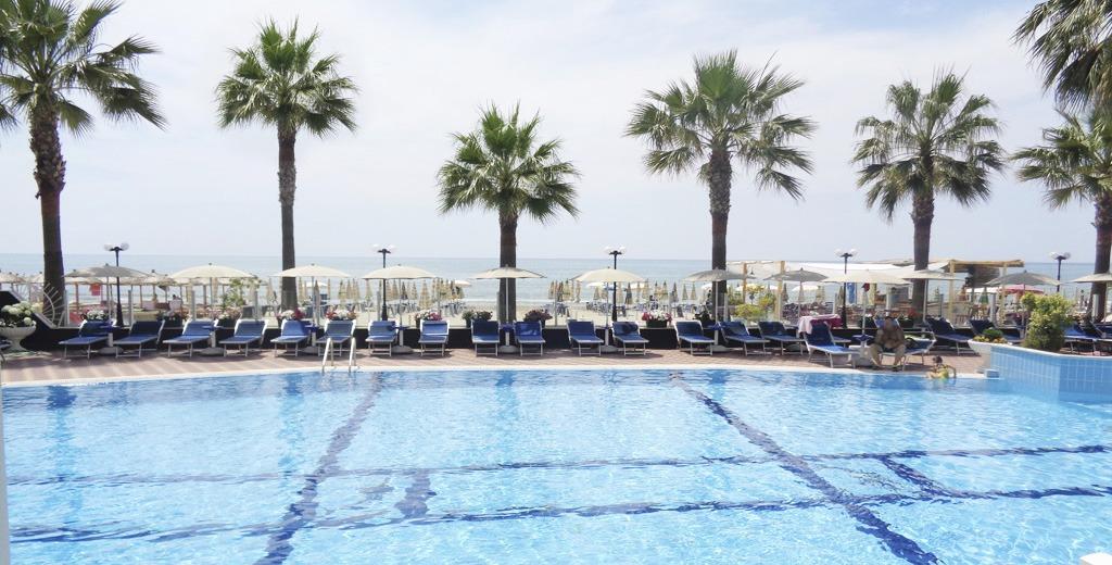 Albánsko, Pri Mori V Hotelovom Komplexe