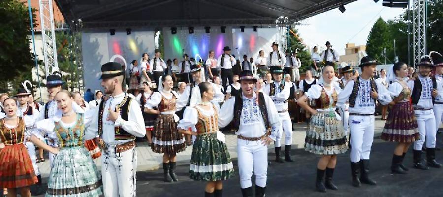 Hornozemplínskych folklórnych slávnostiach vo Vranove nad Topľou