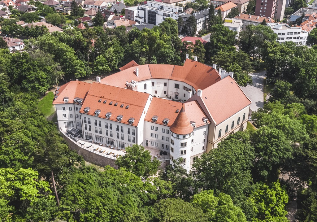 Zámok Pezinok, Palace Art Hotel