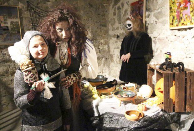 Noc duchov, tekvíc a strašidiel, Bosorka v akcii, hrad Strecno