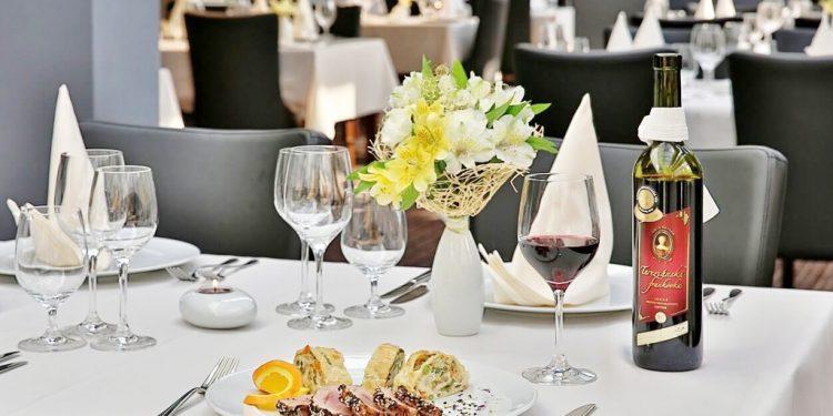 Tradične jedlá šarišskej kuchyne, Hotel Alexander