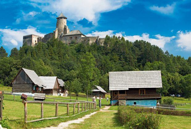 Ľubovniansky hrad – skanzen ľudovej dediny