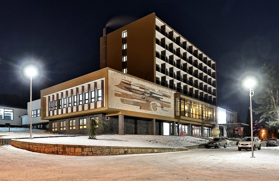 Hotel Alexander Exterier Zima