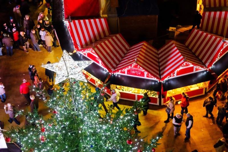 Predvianočnú adventnú Bratislavu, bohaté vianočné trhy