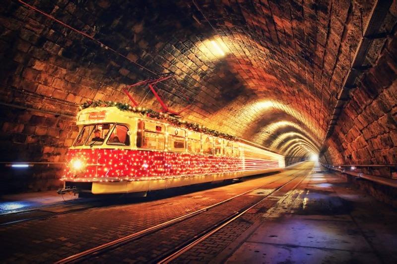 Predvianočnú adventnú Bratislavu, vianočná električka