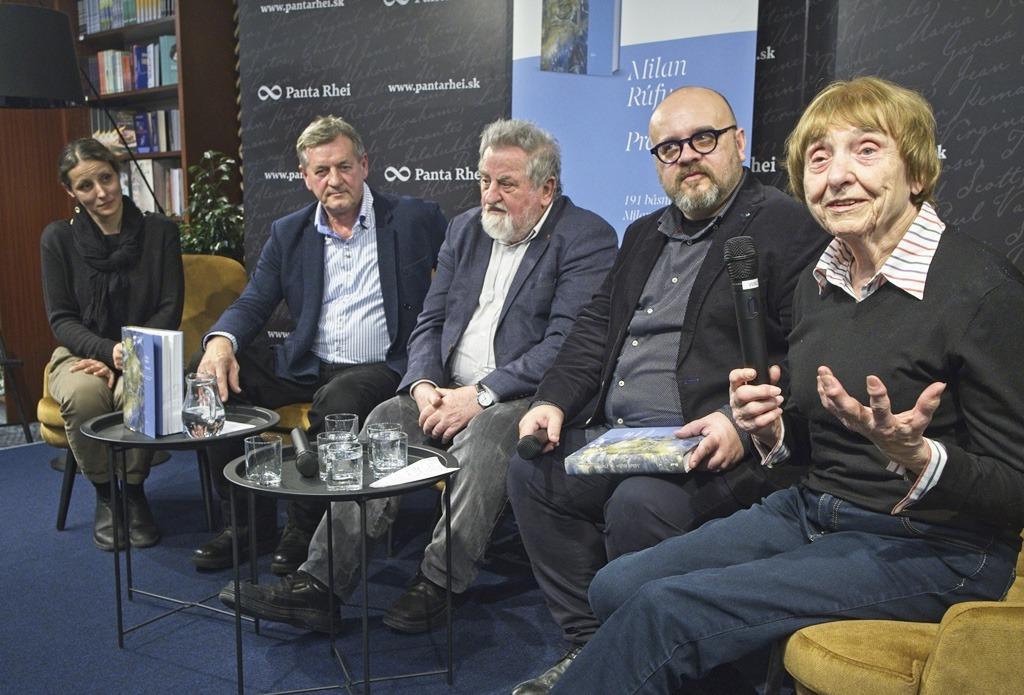 "Krst Knihy Básní Milana Rúfusa Vo Výbere Milana Richtera ""Prameň"""