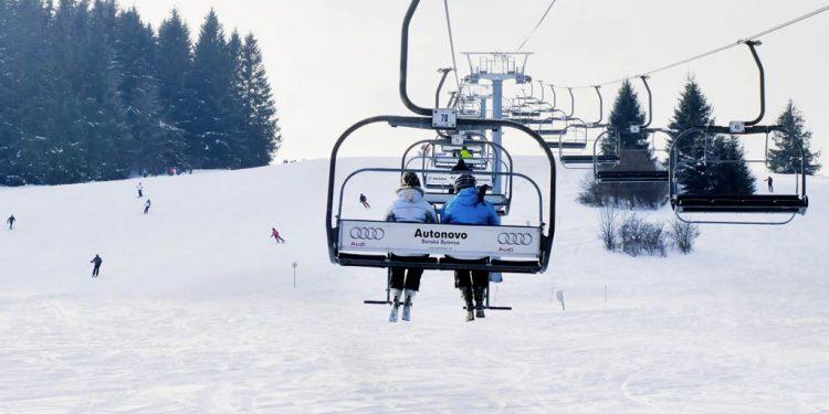 Na Horehroní sa na trate dostanete zimným skibusom