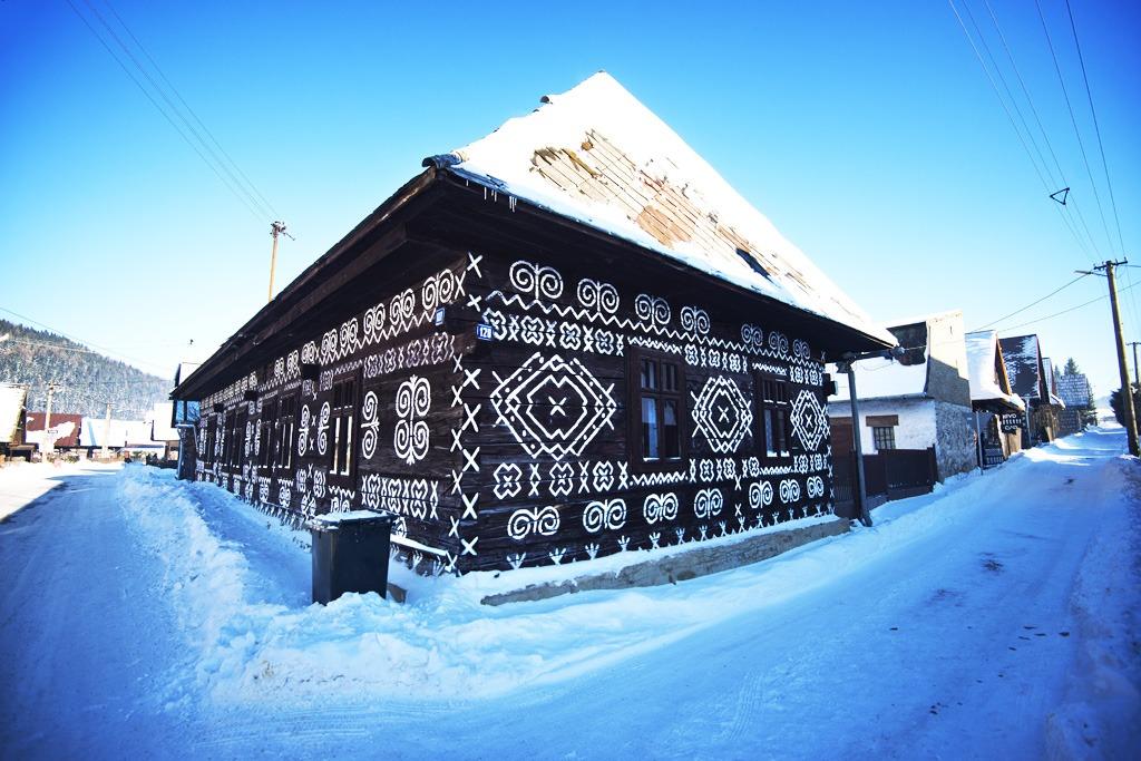 4 tipy na zimnú turistiku v žilinskom kraji, Rozprávková krajina Čičmany