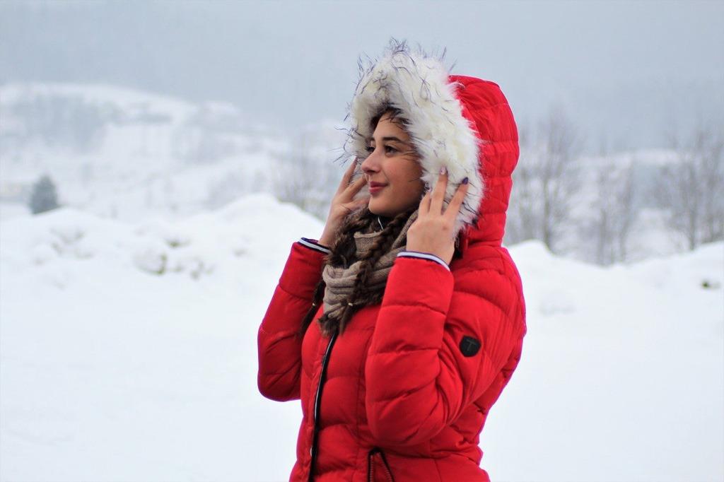 Zimná lyžovačka, výstroj, fyzická kondícia, správne oblečenie