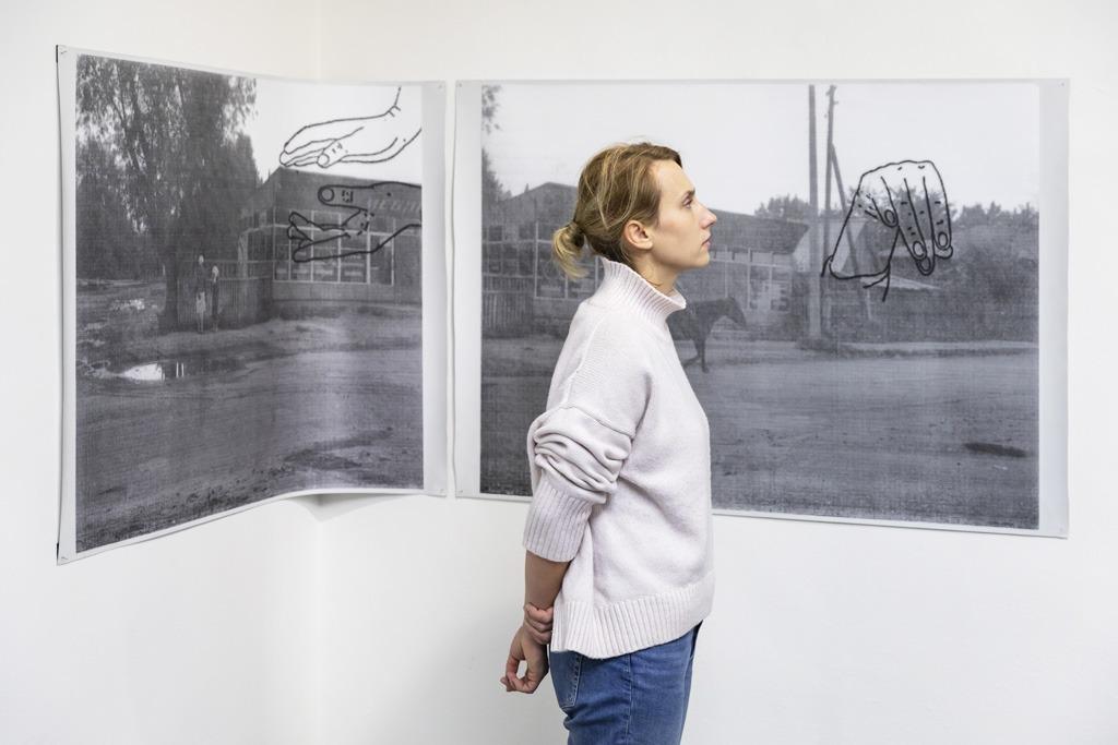 Diela scénografa Ladislava Vychodila, Siesta v galerii_Anna Daucikova