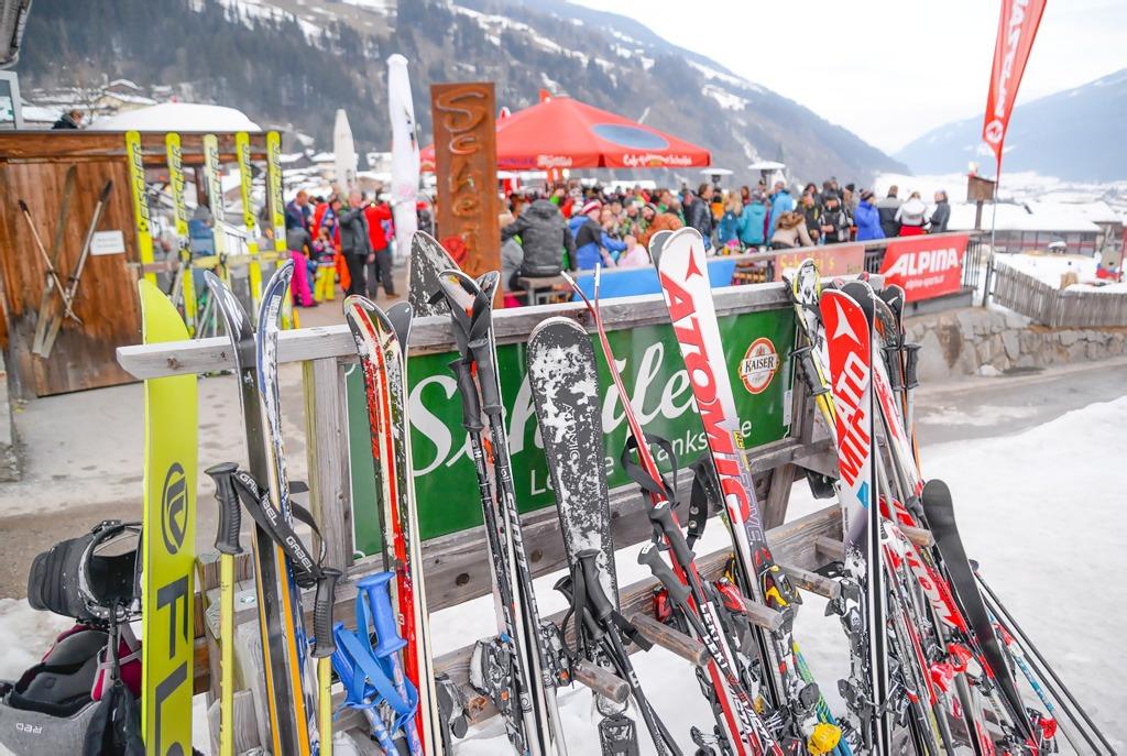 apres ski bar, bary