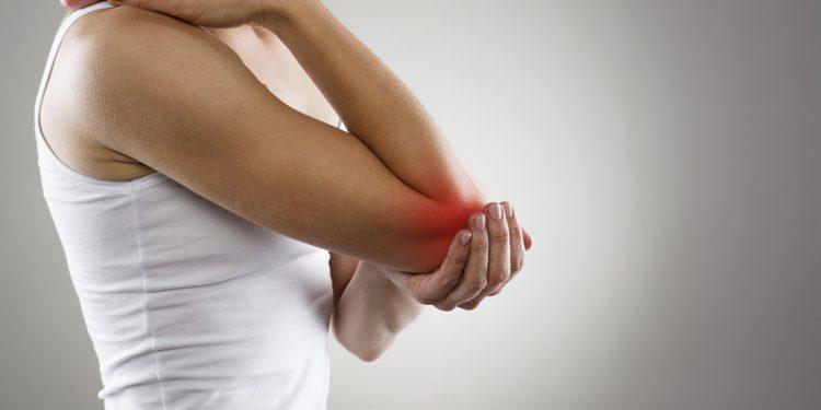 Bolest klbov, pacienti trpia artrozou zbytocne dlho