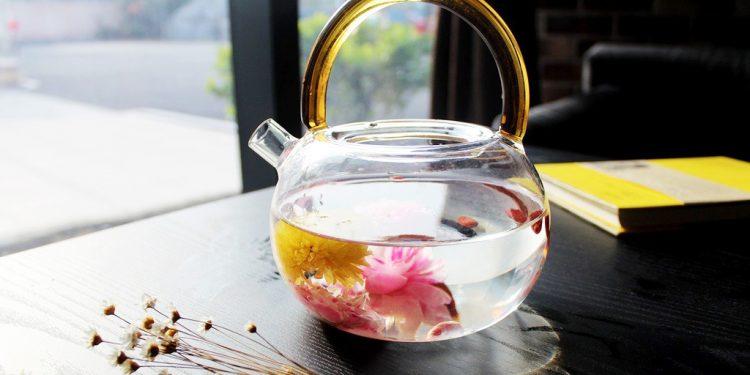 Bylinný čaj proti jarnej unave