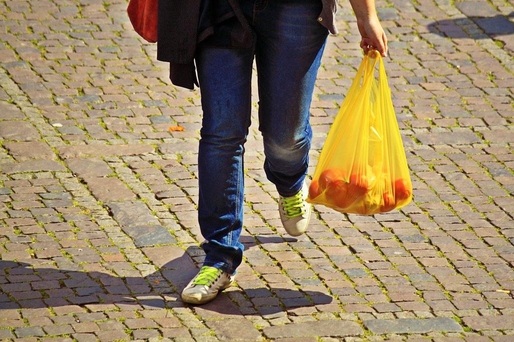 Dobrovoľníci z detskej železnice v Košiciach sa rozhodli pomáhať starkým bezplatnými rozvozmi nákupov