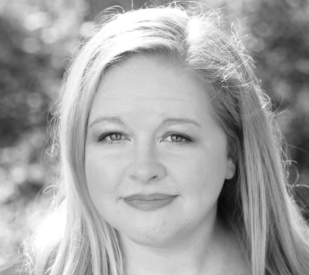 Z nacistickej predátorky je teraz lovená korisť, Lovkyňa vás strhne svojím príbehom, Kate Quinn