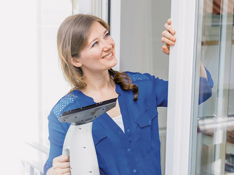 Obávate sa jarného upratovania Obstarajte si správnych pomocníkov, čistič okien Orava Lautus