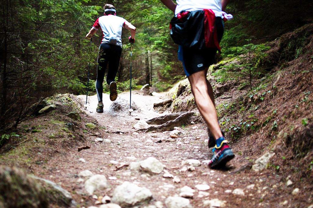 5 praktických tipov pre začínajúcich bežcov, vďaka ktorým si beh užijete, Nezabudnite na bežecké oblečenie