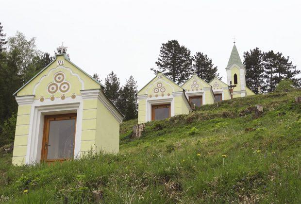 Frívaldská krížová cesta v Rajeckej Lesnej oslavuje 100 rokov od postavenia, Rajecká Lesná Krížová cesta