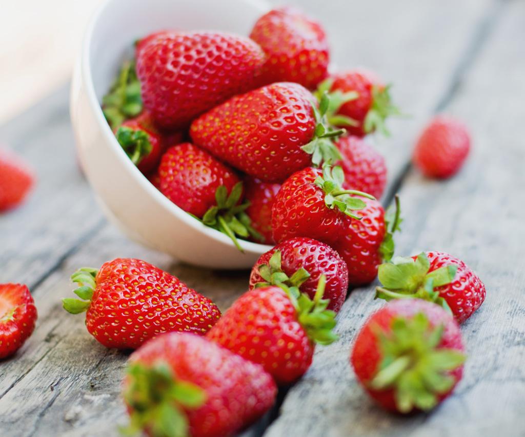 Poďme spolu na jahody, sú sladké, voňavé a veľmi zdravé, samozber
