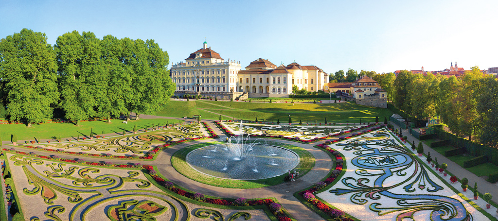 Stanú sa veľké cestovateľské sny opäť realitou Ohlas vo svete zaznamenala kampaň #DiscoverGermanyFroLudwigsburg_Nordgarten_Bl+-hendes_Barock_mit_Residenzschloss