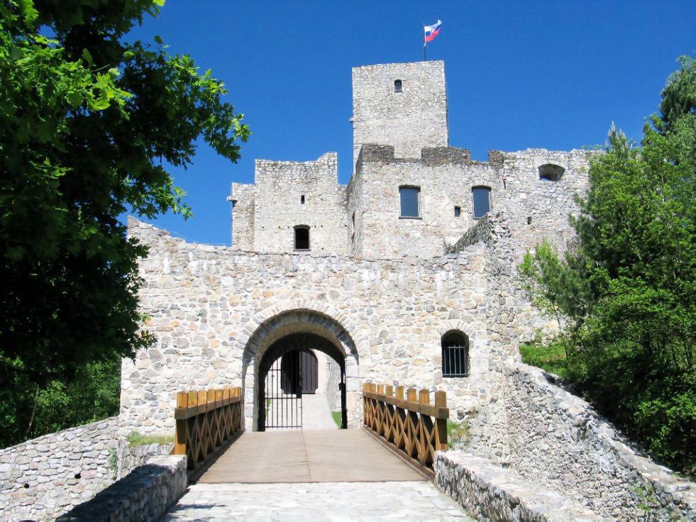 hrad-Strečno