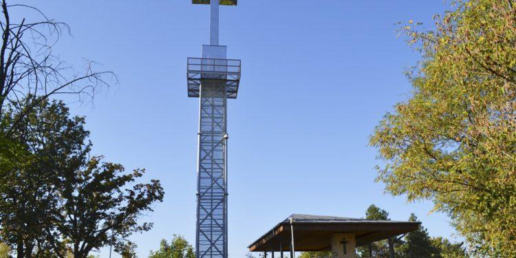 Kalvária v Leviciach a nad ňou neprehliadnuteľný kríž, Obnovená Kalvária