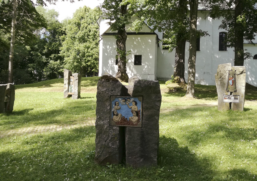 Leto na Slovensku – Slanický ostrov umenia aj vás inšpiruje, Slanický ostrov_lapidárium oravskej kamenárskej tvorby
