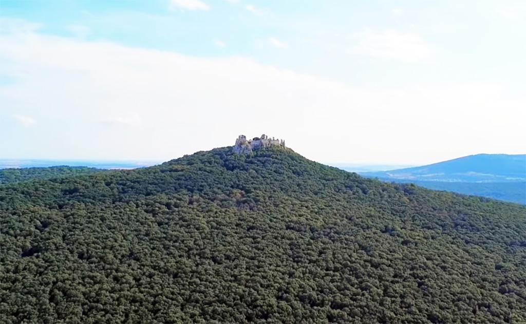 Hrebeňovka pohoria Tribeč