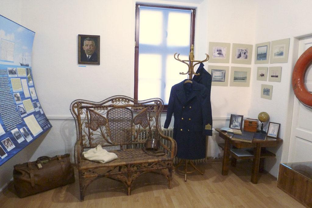 Zo stálej expozície Z Detvy na more, J. J. Thurzo, prvý slovenský námorný kapitán