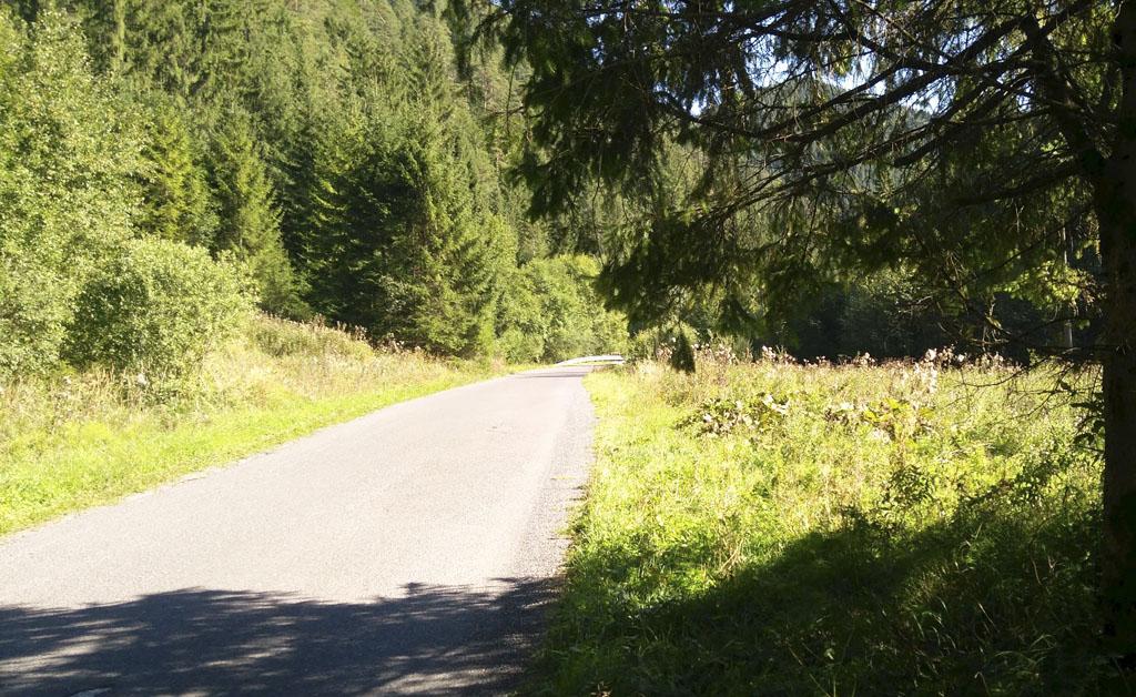 Ľupčianskou Dolinou, asfaltové cyklotrasy, cyklotrasa slovensko, poistenie bicykla, cestovné poistenie