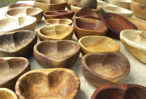 Ako sa v minulosti vyrábal tradičný štiepaný šindel Aj to sa dozviete na Dni dreva v Múzeu kysuckej dediny