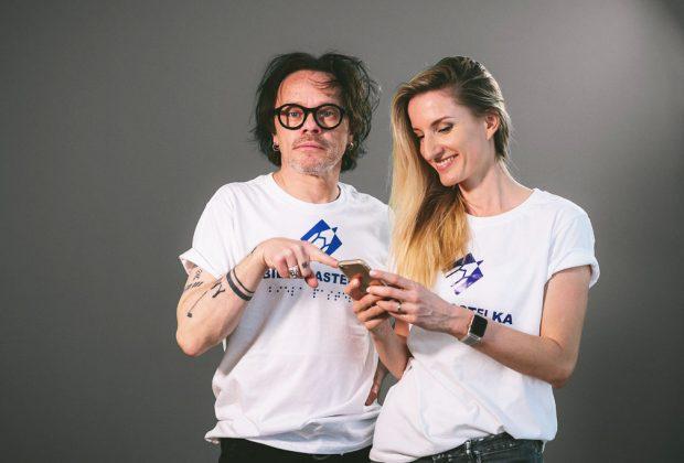 Verejná zbierka Biela pastelka 2020, Adela Vinczeova a Robo Roth, zbiera podpora zrakovo postihnuty