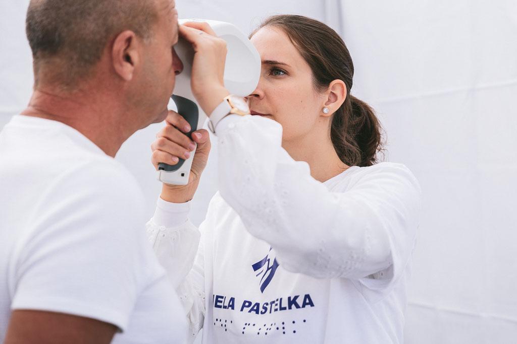 Verejná zbierka Biela pastelka 2020, Adela Vinczeova a Robo Roth, zbiera podpora zrakovo postihnuty, Preventivne merania