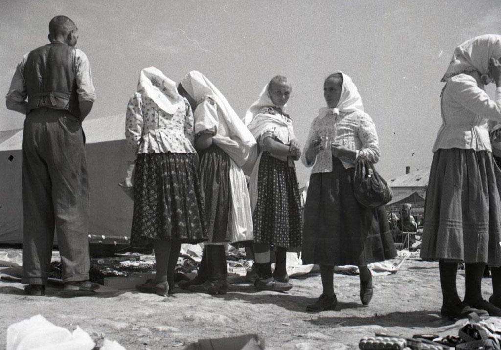 Na jarmoku v Rajci, 1946