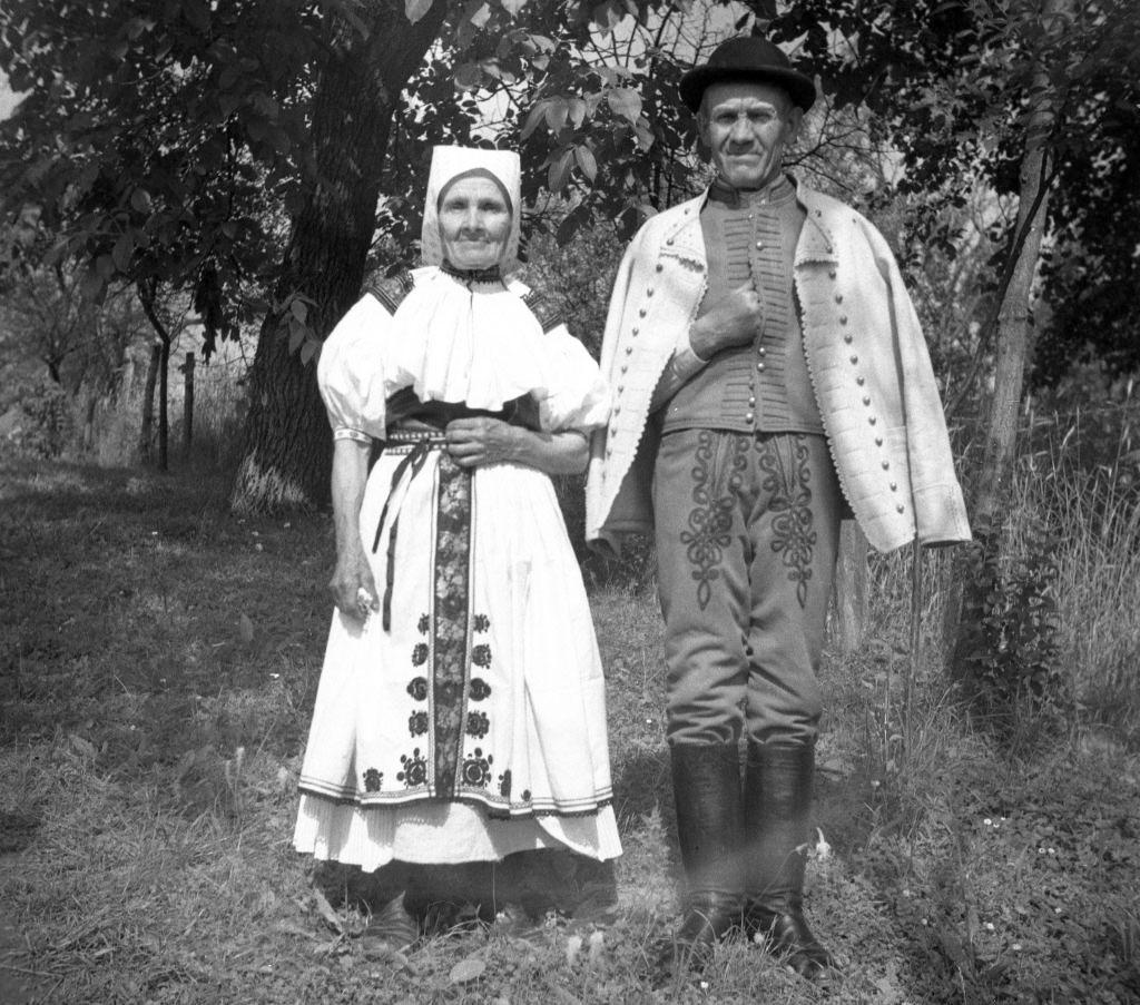 Sviatočný ľudový odev, Moravské Lieskové 1940