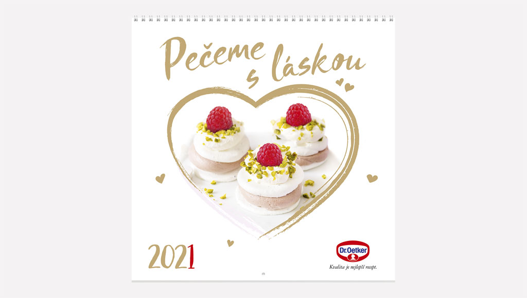 Pečieme s láskou aj v roku 2021! Nový kalendár obsahuje 12 originálnych sladkých receptov, Dr Oetker NASTENNY KALENDAR 2021