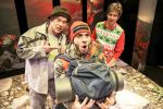 Peter Quilter VÝSTUP – chlapská komédia nielen o ženách, online komedia divadlo Nova Scena
