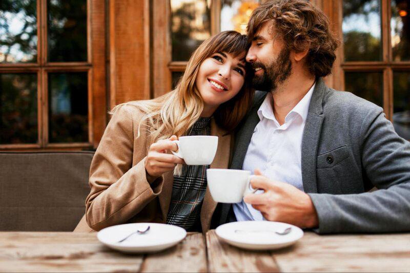 Valentínske prekvapenie pre gurmánov, chutne jdelo, drink, kava, posedenie