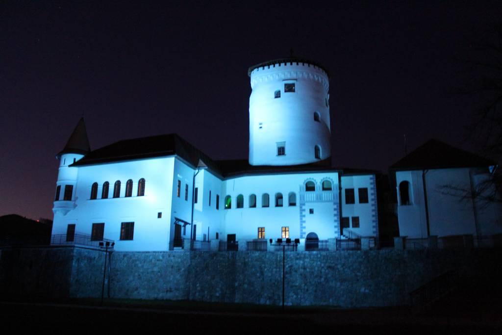 Považský hrad, Deň autizmu, solidarita