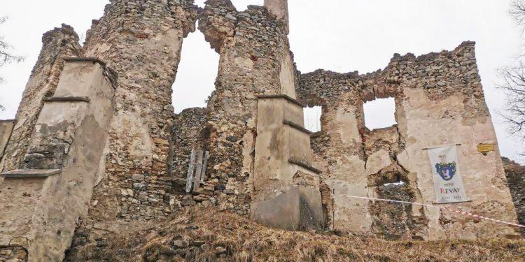 Na potulkách v Turci. Zrúcaniny Sklabinského hradu ponúkajú námety na radosť z maličkostí