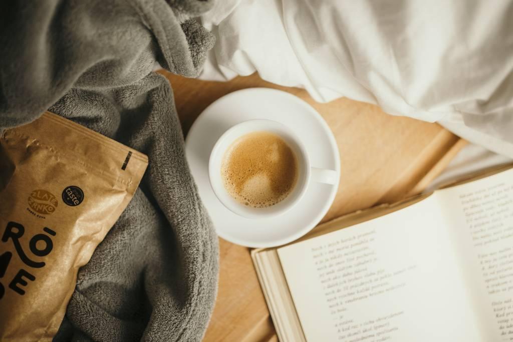 Káva Zlaté Zrnko, lahodne espresso, pitie kavy, objednaj si kavu