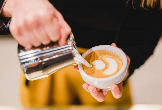 príprava kávy, Vieme z prvej ruky – akú kávu pijú Slováci. Ako vzniká chuť a vôňa, ktorá sa nikdy nezunuje