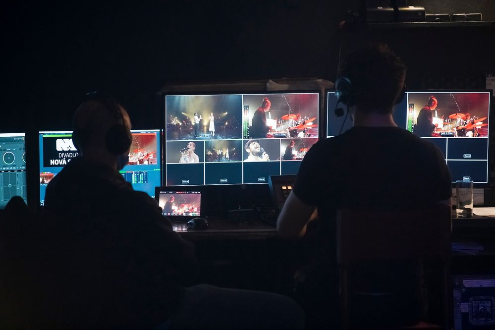 Malá nočná hudba online, Nová scéna v Bratislave