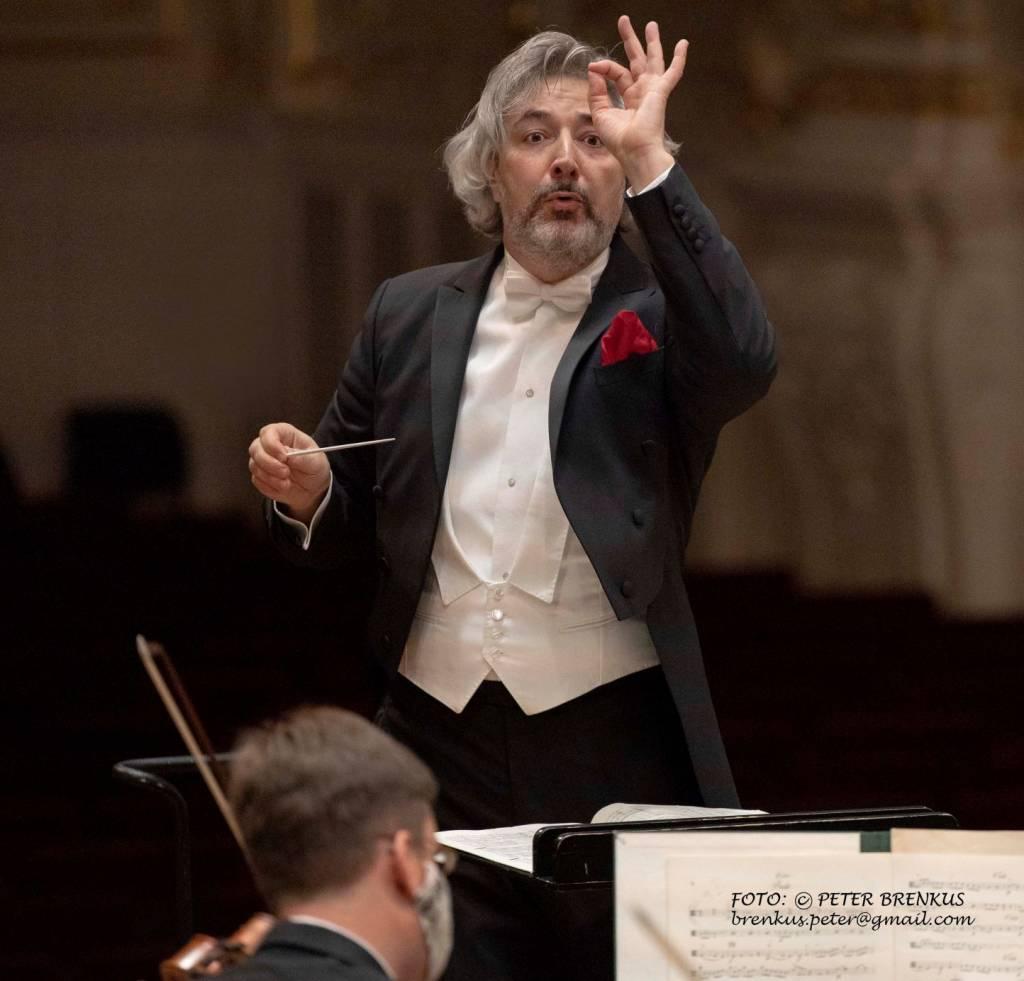 SF šéfdirigent Daniel Raiskin