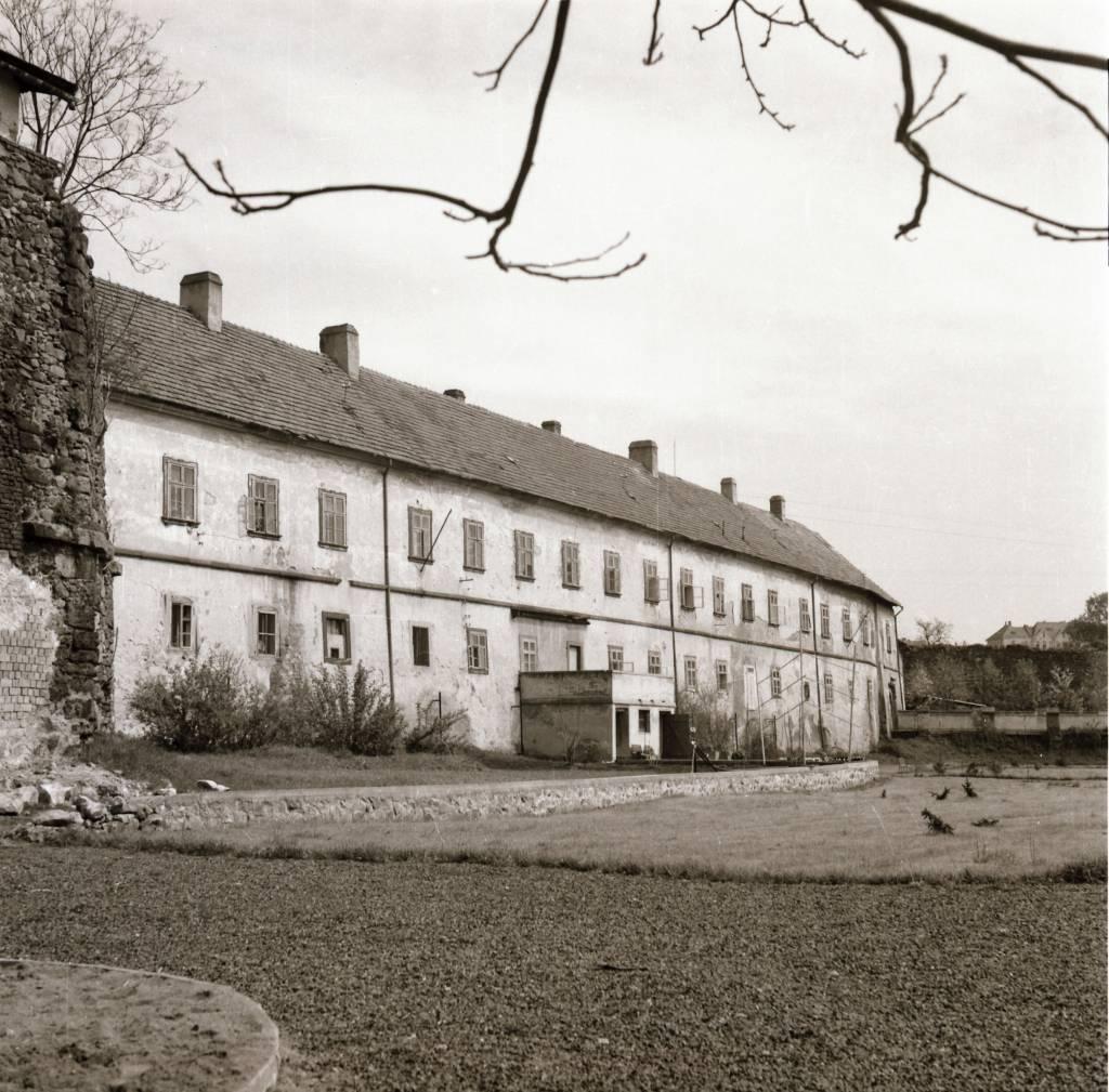 Dobóovský kaštieľ