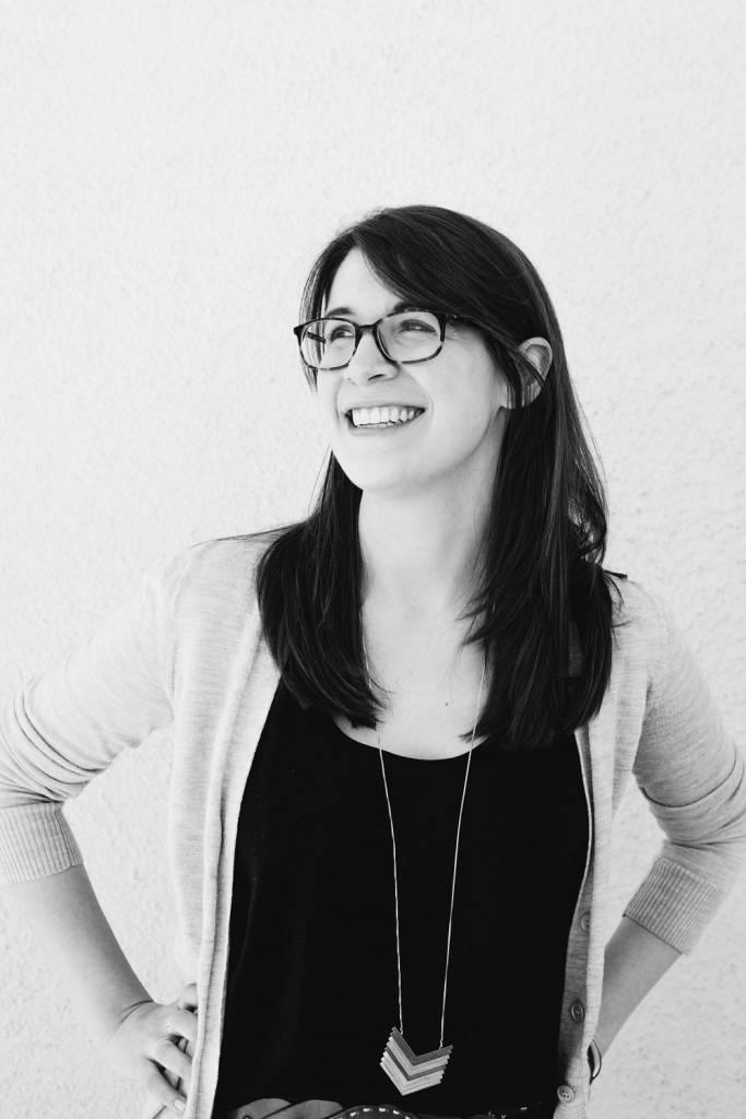 Katie Cotugno Ako byť dievčaťom, Lindeni, lexikon, knihy